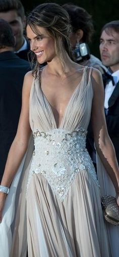 Alessandra Ambrosio l Date Night Alessandra Ambrosio, Grecian Wedding, Grecian Dress, Models, Beautiful Gowns, Couture Fashion, Pretty Dresses, Dress Me Up, Evening Dresses