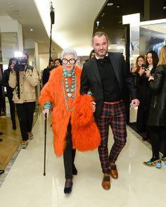 94-Year-Old Iris Apfel Takes Paris Fashion Week - -Wmag