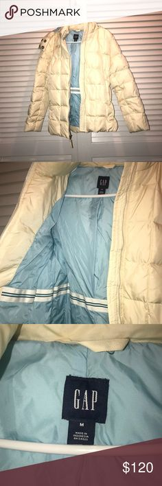 Gap Hooded Puffer Jacket Off white puffer coat from Gap. Removable hood with zipper. Size Medium. GAP Jackets & Coats Puffers