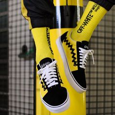 "Peanuts x VANS Old Skool ""Charlie Brown"""