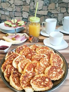 Pancake Muffins, Pancakes, Pizza Pastry, Bread Recipes, Sweet Recipes, Biscuits, Recipies, Sweets, Cooking