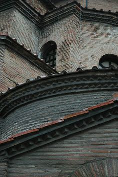 Ravenna, San Vitale - Italy - excellent photo to show the brick construction method on the exterior of this important #Byzantine building