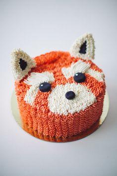 red panda cake by cococakeland