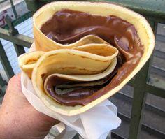 crepes w/Nutella :-) Think Food, I Love Food, Good Food, Yummy Food, Healthy Food, Crepes Nutella, Chocolate Crepes, Chocolate City, Chocolate Spread
