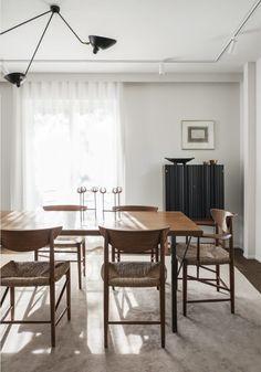 when warm minimalism and silence meet. a minimal dining room. ilaria fatone