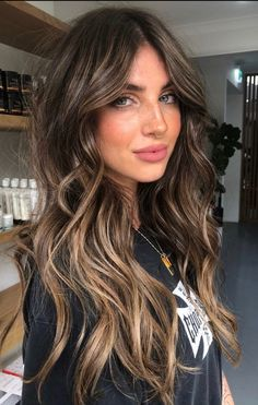 Brown Hair Balayage, Hair Color Balayage, Hair Highlights, Hair Styles For Brunettes, Hair Colours For Brunettes, Hair Color Ideas For Brunettes For Summer, Blonde Peekaboos, Balyage Long Hair, Dark Brunette Balayage Hair