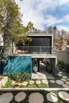Residência Breves – Arkitito Home Room Design, Small House Design, Box Houses, Industrial House, House Rooms, Interior Architecture, Facade, Loft, Exterior