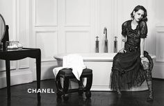 Fashion shows & Collections available in boutiques - CHANEL