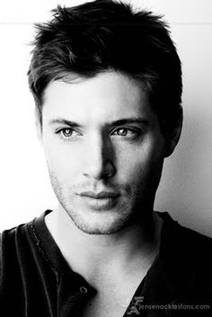 Jensen Ackles - so pretty, sooooo talented. Supernatural gets no love as far as awards go, he is just brilliant imo.