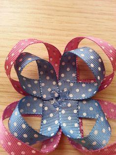 Diy Bow, Diy Hair Bows, Girl Hairstyles, Dyi, Headbands, Hair Accessories, Ribbon Hair Bows, Cute Cheer Bows, Ribbons
