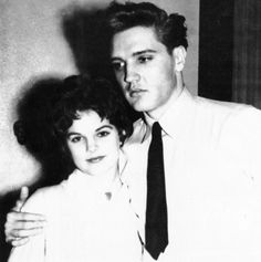 Priscilla Presley My Life With and Without Elvis Presley Priscilla Presley My life with Elvis Germany to Graceland to Hollywood Priscilla Presley, Elvis Presley News, Elvis Presley Family, Graceland Elvis, Star Wars, People Of Interest, Memphis Tennessee, Lisa Marie, Celebrity Couples