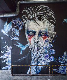 """David Bowie"" in Lisbon, Portugal, by artist Jacqueline de Montaigne. Photo by Sara Matos photography. Graffiti Art, Street Art Banksy, Street Mural, Graffiti Drawing, Art Drawings, Urban Street Art, 3d Street Art, Amazing Street Art, Street Artists"
