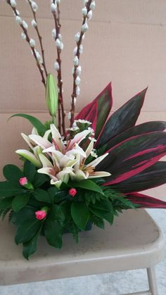 Resultado de imagen de flower arrangement for funeral Tropical Flower Arrangements, Funeral Flower Arrangements, Beautiful Flower Arrangements, Tropical Flowers, Beautiful Flowers, Altar Flowers, Church Flowers, Funeral Flowers, Altar Decorations