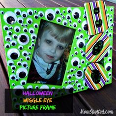 Boo! Halloween Wiggle Eye Picture Frame Tutorial #FunCraftsWithMom