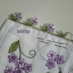 This post was discovered by Di Costume Makeup Tutorial, Crochet Unique, Needle Lace, Bargello, Tatting, Needlework, Diy And Crafts, Mens Fashion, Embroidery