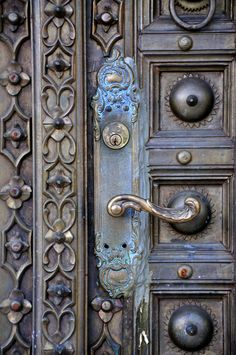 intricate entry by © rachel on flickr