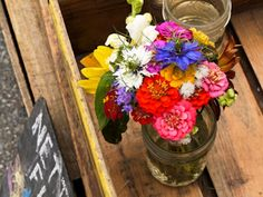 fall flower bouquet at the FM