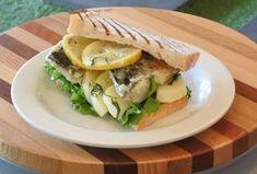こだわりの鯖の干物を使った「もの凄い鯖サンド」代官山で、朝食を。サンドイッチと本のお店Bird - DINER