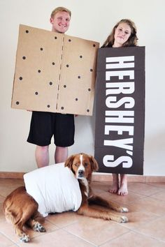 40+ Cute Dog Halloween Costumes: Smores Halloween Costume | If you're looking for the best dog Halloween costumes, such as dog Halloween costumes DIY, DIY Halloween costumes for dogs and owners, big dog Halloween costumes with owner, this is for you! If you want easy Halloween costumes for dogs funny, check out these cute Halloween costumes for dogs and funny dog costumes halloween! #doghalloweencostumes #halloweencostumesfordogs #halloweencostumes #dogs #dogcostumes #dogcostumeshalloween Big Dog Halloween Costumes, Funny Couple Costumes, Family Costumes, Couple Halloween, Halloween Halloween, Vintage Halloween, Vintage Witch, Halloween Makeup, Homemade Halloween