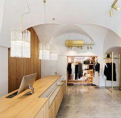 three bespoke pendants with twisted glass tubes/ isabel hamm licht/ interior design: gogl-architekten.