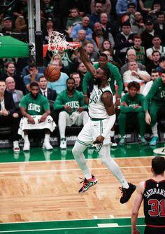 Celtics Basketball, Basketball Players, Basketball Court, Celtic Pride, New Year's Eve 2020, Brown Wallpaper, Nba Wallpapers, Boston Sports, Boston Celtics