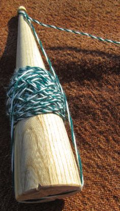 missingspindle: Spin like you're Scottish - plying on the whorl-less spindle
