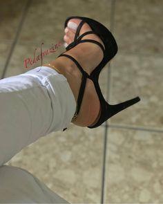 high heels – High Heels Daily Heels, stilettos and women's Shoes Sexy High Heels, High Heels Boots, Sexy Legs And Heels, Hot Heels, High Heels Stilettos, Strappy Heels, Stiletto Heels, Pumps, Sexy Zehen