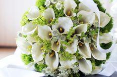 Wit bruidsboeket. Op je trouwdag mag een bruidsboeket niet ontbreken!