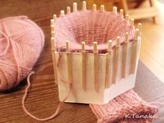 牛乳パックでリリアン機: のんびりほっこり手作り気分♪ Spool Knitting, Loom Knitting Patterns, Knitting Projects, Embroidery Patterns, Crochet Projects, Textiles, Fabric Manipulation Techniques, Family Crafts, Tapestry Weaving