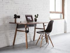 Artifox have introduced Desk a new version of their beautiful and functional work desk. The minimalist desk is made from quality materials (hardwood and steel) and packed with function while maintaining a clean, simple aesthetic. Home Office Setup, Home Office Space, Home Office Design, Home Office Furniture, Furniture Design, Apartment Furniture, Mac Desk, Workspace Desk, Desk Setup