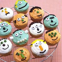 Halloween recipes: Little Monster Cupcakes. So fun to make and easy to personalize your own little monster!
