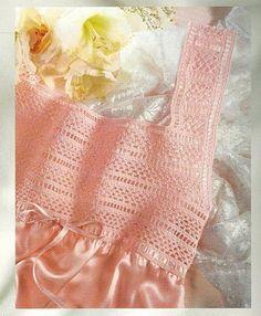 Uncinetto e crochet  Camicie da notte con inserti in pizzo a crochet Filet  All  9535396264d5