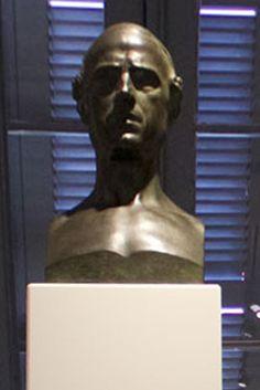 Autorretrato escultura de Eugenio Hermoso Martínez