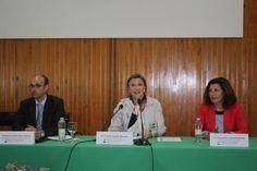 Trinidad Nogales, consejera de Educación y Cultura, ha inaugurado en el Centro de Profesores y Recursos de Mérida, una jornada de promoción, difusión y conocimiento de la FP Dual.