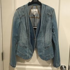 NWT Denim Jacket Brand new - never been worn! NWT Structured jean jacket. The denim feels soft and worn in. Carol Collection for cAbi. Perfect addition to any outfit! All sales are final. Price is flexible - make me an offer! CAbi Jackets & Coats Jean Jackets