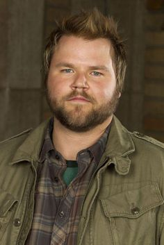 Tyler Labine - I want my hair to look like this!