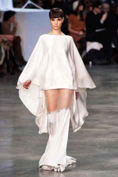 See the entire collection from the Stéphane Rolland Spring 2013 Couture runway show. Stephane Rolland, I Love Fashion, Fashion Details, Fashion Fashion, Womens Fashion, Beste Tante, Rebecca Minkoff, Typical Girl, Origami Fashion