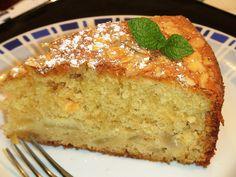 Bizcocho de peras con almendras y yogur griego - La Cocina de Loli Domín...