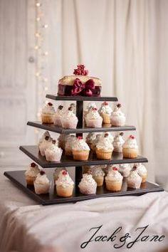Szögletes antikolt fekete 4 szintes cupcake állvány - DREAM    Jack&Jane tortaállványok Mini Cupcakes, Desserts, Food, Tailgate Desserts, Deserts, Essen, Postres, Meals, Dessert