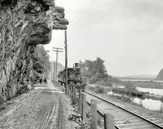 Shorpy Historical Photo Archive :: Hanging Rock: 1901