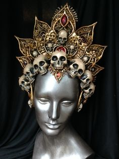 Awesome And Easy Headdress Designs You Can Try Awesome And Easy Headdress Designs You Can TryCrafting is a handy work at home business and respected cottage market. Beltaine, Caroline Reboux, Mode Steampunk, Fantasy Costumes, Fairy Costumes, Carnival Costumes, Circlet, Halloween Kostüm, Tiaras And Crowns