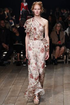 See every look from Alexander McQueen's new collection