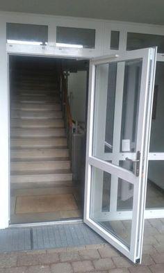 Glasbausteine Durch Fenster Ersetzen eine aluminium fenster anlage für den besseren durchblick wird
