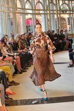 Emilia Wickstead Fall 2013 Ready-to-Wear Collection Photos - Vogue Modest Fashion, Skirt Fashion, Fashion Show, Fashion Design, Womens Beach Cover Ups, London Fashion Week 2015, Below The Knee Skirt, Emilia Wickstead, Couture Accessories