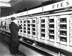 Horn and Hardart Automat - AP/Courtesy of Museum of the City Of New York