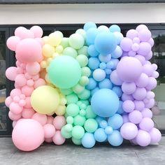 Moms 50th Birthday, 2nd Birthday Party Themes, Birthday Balloon Decorations, Baby Girl Birthday, Frozen Birthday Party, Balloon Wall, Balloon Garland, Care Bear Birthday, Bridal Shower Balloons