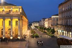 Scenic Samedi today takes a trip to Bordeaux France to wander around its charming streets and enjoy the pretty gardens. Most Beautiful Cities, Wonderful Places, Monuments, Francia Paris, St Emilion, Best Flights, World Cities, World Heritage Sites, Luxury Travel