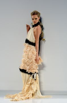 Sasha Pivovarova on the Fall 2009 runway. This dress was later worn by Diane Kruger, who's also featured on this board.