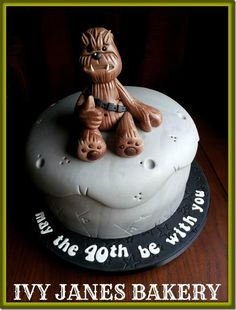 Chewbacca Cake If I could make this, I would make it for my husband! He would live it! (make birthday cake star wars) Cupcakes, Cake Cookies, Cupcake Cakes, Cakes For Men, Cakes And More, Make Birthday Cake, 40th Birthday, Star Trek Cake, Cupcake Flavors
