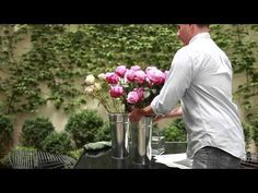 floral arranging. Visit http://gi.lt/GQ1fVY to access more information on vase pairings and other useful decorating tips from Gilt Home.
